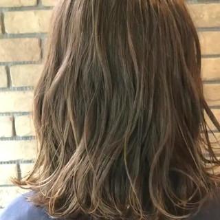透明感 抜け感 アンニュイ オフィス ヘアスタイルや髪型の写真・画像