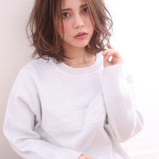 小顔 大人かわいい セミロング ミディアム ヘアスタイルや髪型の写真・画像