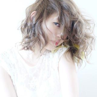 インナーカラー ハイライト ガーリー ミディアム ヘアスタイルや髪型の写真・画像