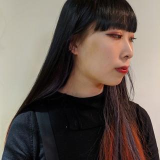 インナーカラー ハイトーン ロング レッドカラー ヘアスタイルや髪型の写真・画像