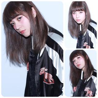 ダブルカラー アッシュ 外国人風 コンサバ ヘアスタイルや髪型の写真・画像