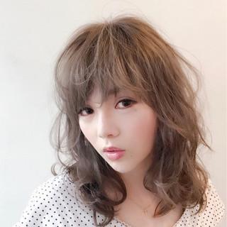 ウェーブ アンニュイ フェミニン デート ヘアスタイルや髪型の写真・画像