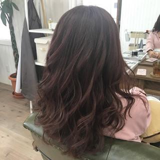 ゆるふわ ウェーブ アンニュイ ピンク ヘアスタイルや髪型の写真・画像