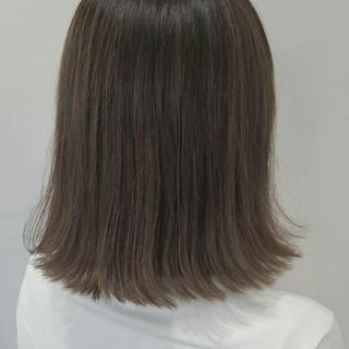 外国人風 色気 イルミナカラー アッシュ ヘアスタイルや髪型の写真・画像