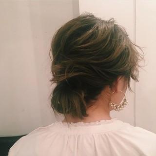 ヘアアレンジ 透明感 オリーブアッシュ ロング ヘアスタイルや髪型の写真・画像