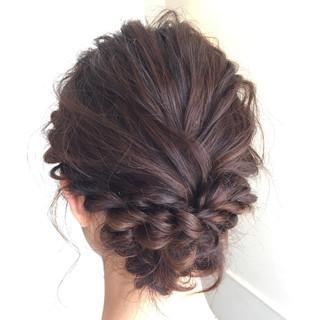 ミディアム 波ウェーブ 簡単ヘアアレンジ ヘアアレンジ ヘアスタイルや髪型の写真・画像 ヘアスタイルや髪型の写真・画像