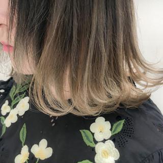 ボブ 外ハネ 透明感 ハイトーン ヘアスタイルや髪型の写真・画像