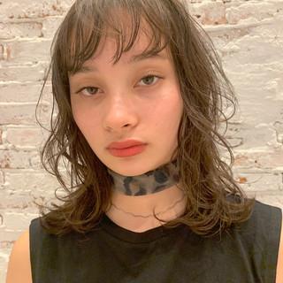 デート 透明感 ミディアム 簡単ヘアアレンジ ヘアスタイルや髪型の写真・画像