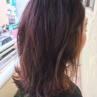 外ハネ 艶髪 ミディアム ブリーチなし ヘアスタイルや髪型の写真・画像