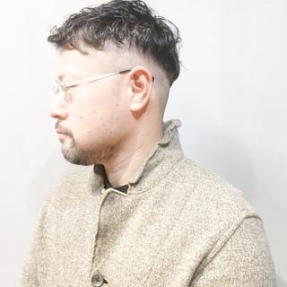ナチュラル メンズパーマ ワンカールパーマ パーマ ヘアスタイルや髪型の写真・画像