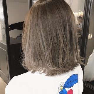 シアーベージュ ハイトーン ナチュラル ベージュ ヘアスタイルや髪型の写真・画像