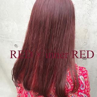 ピンク ハイトーン ストリート レッド ヘアスタイルや髪型の写真・画像