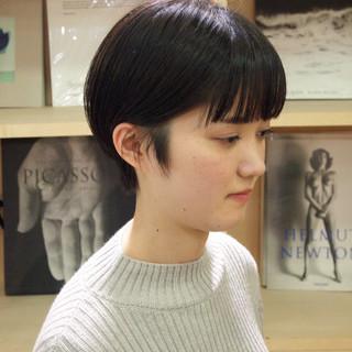 前髪パッツン ナチュラル ミニボブ ショート ヘアスタイルや髪型の写真・画像