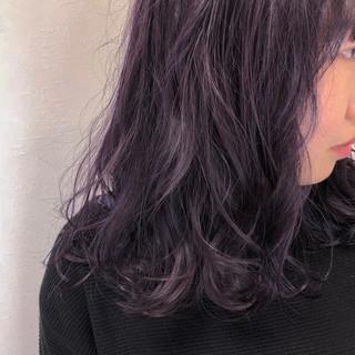 ラベンダーアッシュ ナチュラル ピンクラベンダー アンニュイほつれヘア ヘアスタイルや髪型の写真・画像