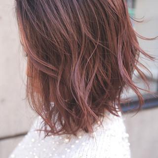 ガーリー 外国人風カラー グレージュ バレイヤージュ ヘアスタイルや髪型の写真・画像