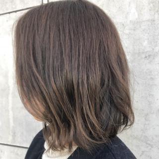 スポーツ オフィス シルバーアッシュ 女子会 ヘアスタイルや髪型の写真・画像