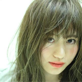 パーマ 透明感 艶髪 ストリート ヘアスタイルや髪型の写真・画像