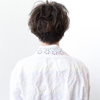 アッシュ 前髪あり グレージュ 透明感 ヘアスタイルや髪型の写真・画像