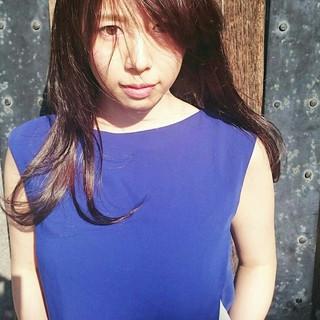 セミロング フェミニン ヘアアレンジ アンニュイ ヘアスタイルや髪型の写真・画像