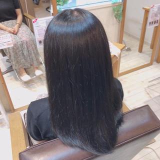 ロング プラチナムカラー ツヤツヤ 暗髪女子 ヘアスタイルや髪型の写真・画像