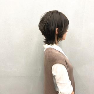 レイヤースタイル ミディアムレイヤー ナチュラル レイヤーカット ヘアスタイルや髪型の写真・画像