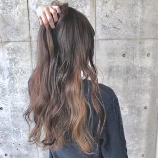 ロング ダブルカラー フェミニン バレイヤージュ ヘアスタイルや髪型の写真・画像