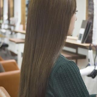 外国人風 グレージュ 大人かわいい アッシュ ヘアスタイルや髪型の写真・画像