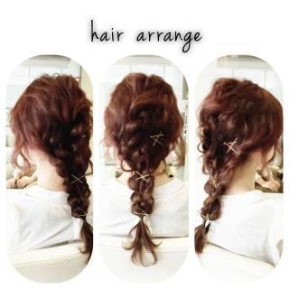 編み込み ヘアアクセ ロング ヘアピン ヘアスタイルや髪型の写真・画像