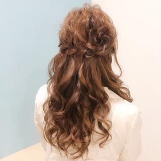 結婚式 フェミニン 花 ヘアアレンジ ヘアスタイルや髪型の写真・画像