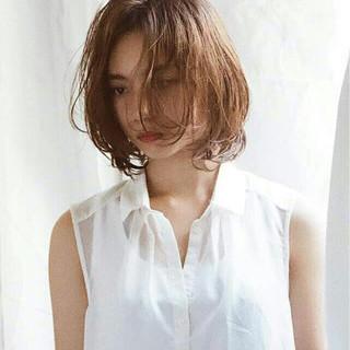 フェミニン 暗髪 色気 ボブ ヘアスタイルや髪型の写真・画像