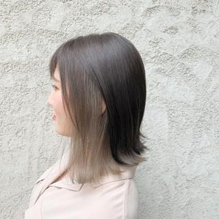 グレージュ ホワイトカラー ブリーチなし ブリーチ ヘアスタイルや髪型の写真・画像