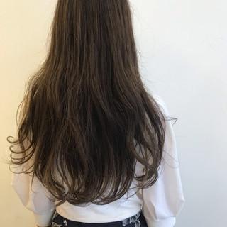 ゆるふわ フェミニン パーマ ダブルカラー ヘアスタイルや髪型の写真・画像