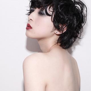 かっこいい パーマ ウェットヘア モード ヘアスタイルや髪型の写真・画像 ヘアスタイルや髪型の写真・画像