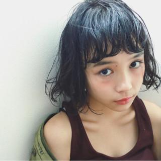 前髪パーマ ワイドバング ウェットヘア 大人かわいい ヘアスタイルや髪型の写真・画像