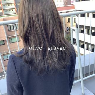 ミディアム ヘアカラー オリーブブラウン オリーブグレージュ ヘアスタイルや髪型の写真・画像