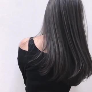 グレージュ ハイライト ブリーチ フェミニン ヘアスタイルや髪型の写真・画像