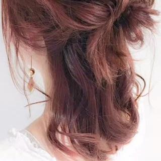 フェミニン ヘアアレンジ 外国人風 ショート ヘアスタイルや髪型の写真・画像