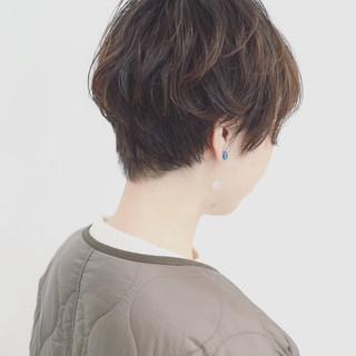 外ハネ ショート ショートボブ ナチュラル ヘアスタイルや髪型の写真・画像