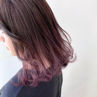 グラデーション ラベンダーカラー ラベンダーアッシュ フェミニン ヘアスタイルや髪型の写真・画像