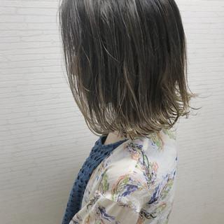 ナチュラル アンニュイ インナーカラー 抜け感 ヘアスタイルや髪型の写真・画像