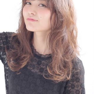 モテ髪 外国人風 セミロング ガーリー ヘアスタイルや髪型の写真・画像