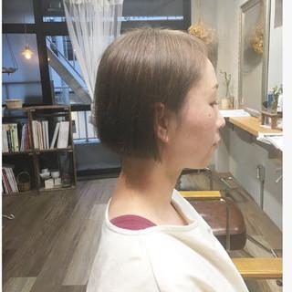 アッシュベージュ スモーキーアッシュベージュ ボブ ミルクティーベージュ ヘアスタイルや髪型の写真・画像