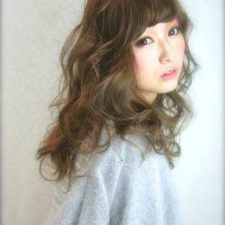 ゆるふわ 大人かわいい ロング 外国人風 ヘアスタイルや髪型の写真・画像 ヘアスタイルや髪型の写真・画像