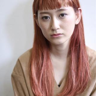ピンクアッシュ ピンク ストリート ダブルカラー ヘアスタイルや髪型の写真・画像