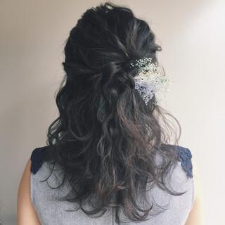 ナチュラル 編み込み 結婚式 パーティ ヘアスタイルや髪型の写真・画像