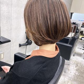 ショートボブ エアータッチ グラデーションカラー ナチュラル ヘアスタイルや髪型の写真・画像