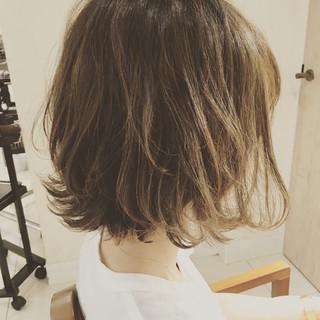 ウェーブ ナチュラル デート リラックス ヘアスタイルや髪型の写真・画像