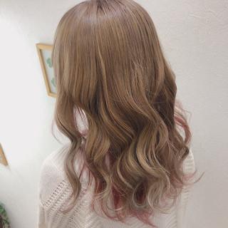 トリートメント ピンクカラー セミロング ミルクティー ヘアスタイルや髪型の写真・画像