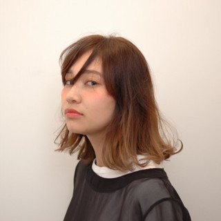 フェミニン ウェーブ ボブ セミロング ヘアスタイルや髪型の写真・画像
