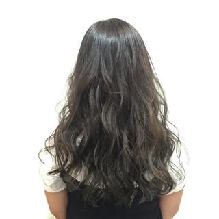 外国人風 黒髪 アッシュ ストリート ヘアスタイルや髪型の写真・画像